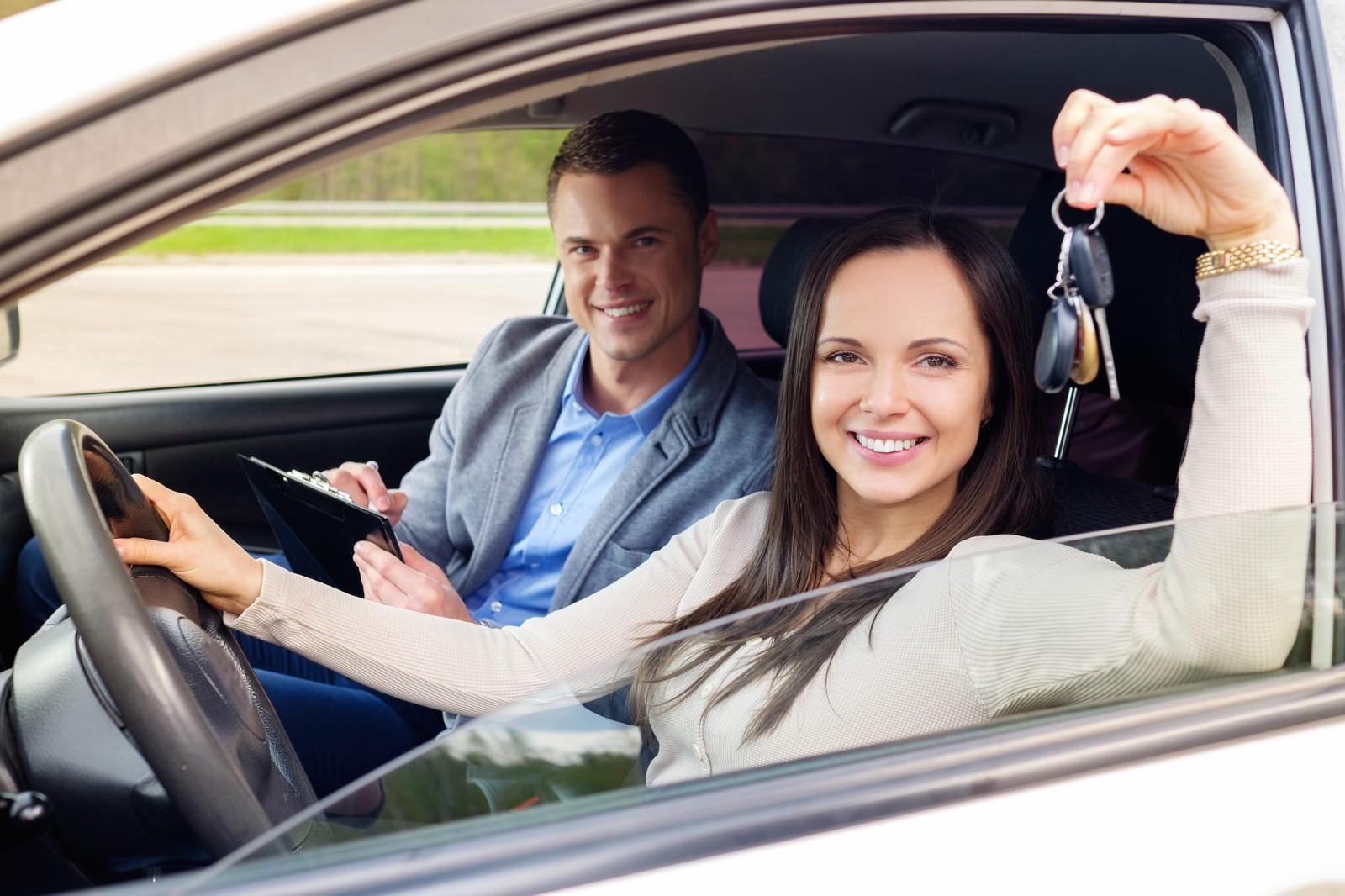 Как соблазнить инструктора по вождению